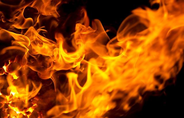 flame-werbefuzzy68-pixabay